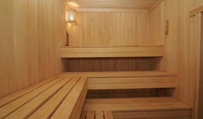 Конструкция полок в бане