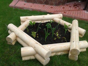 Идеи для декорирования сада из бревен